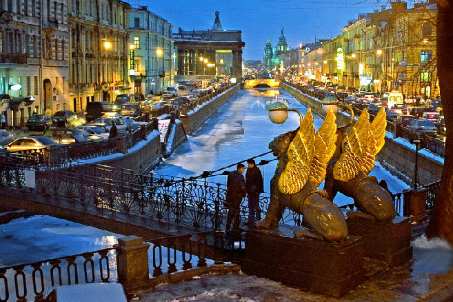 bank-bridge-in-st-petersburg.jpg
